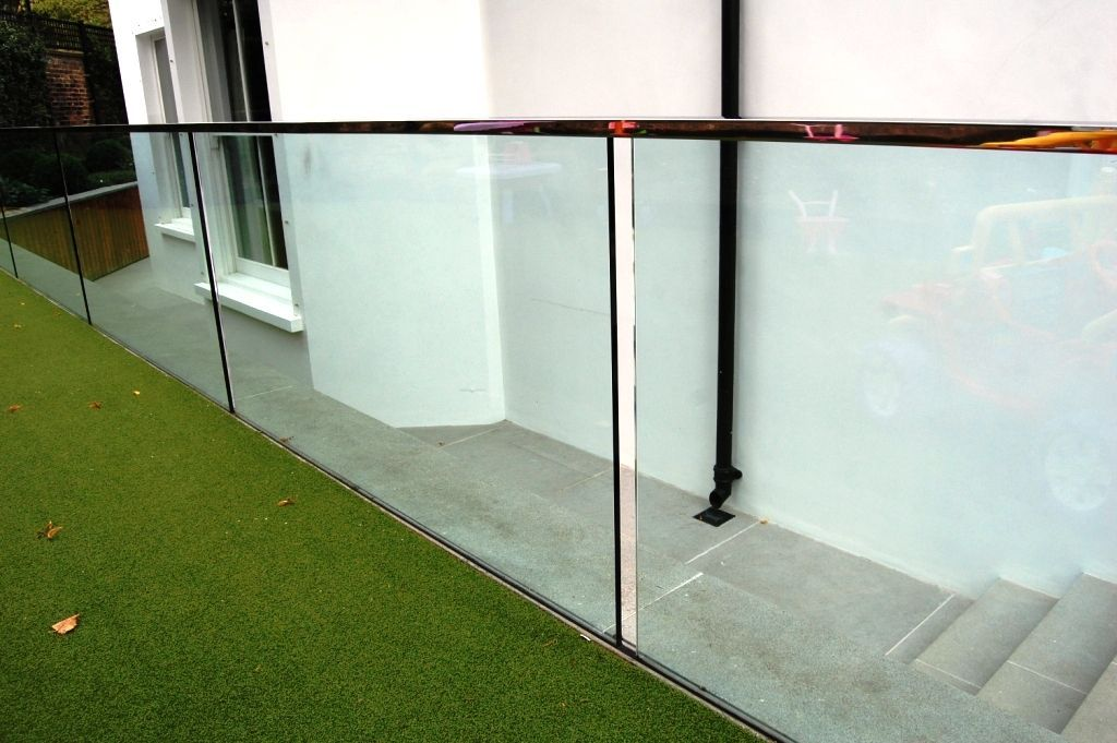 Glass-Balustrades-Partitions-for-Slider