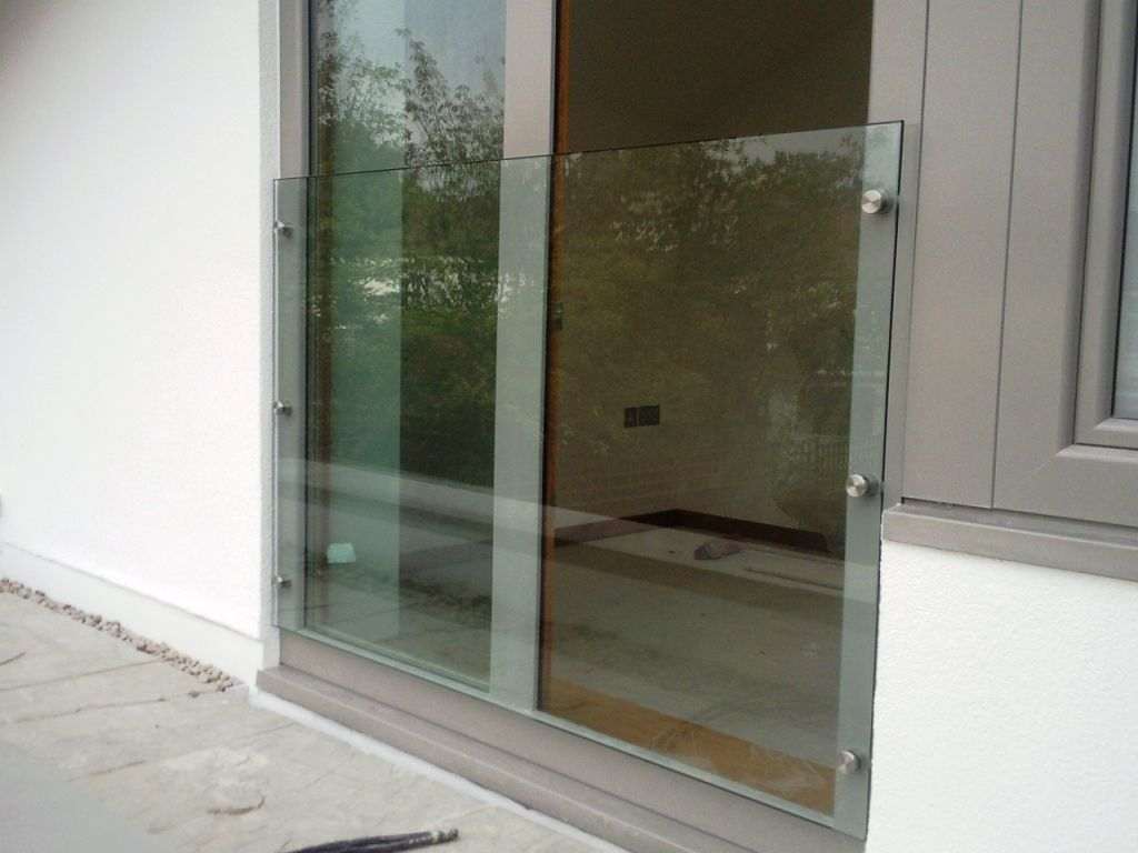 Glass-Balustrades-Partitions-for-Slider_05