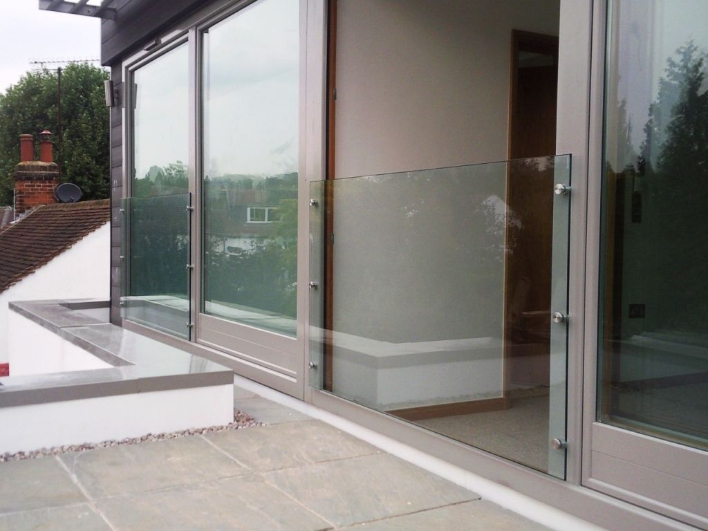 Glass-Balustrades-Partitions-for-Slider_06