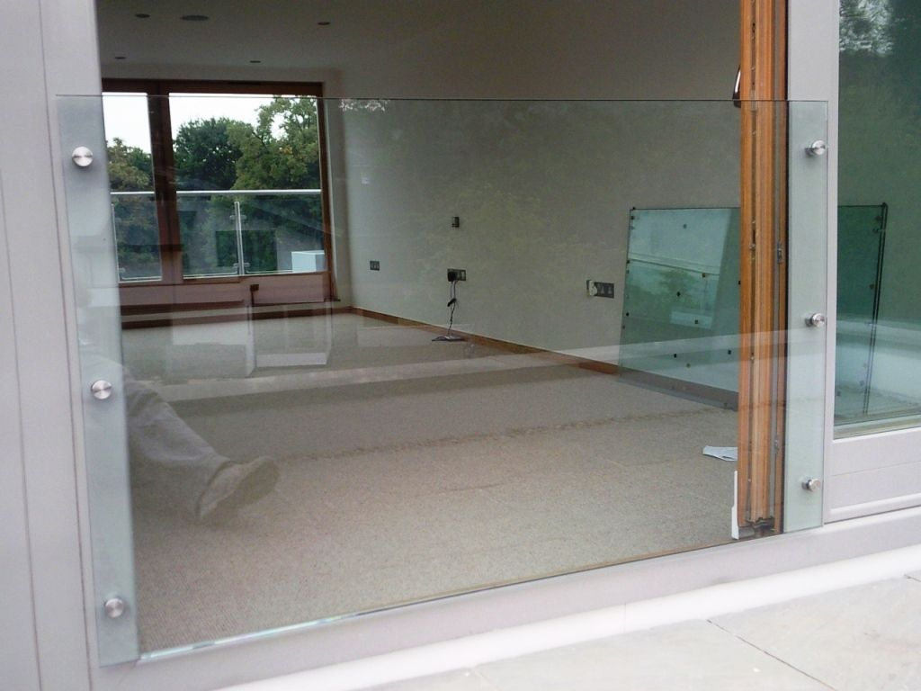 Glass-Balustrades-Partitions-for-Slider_07