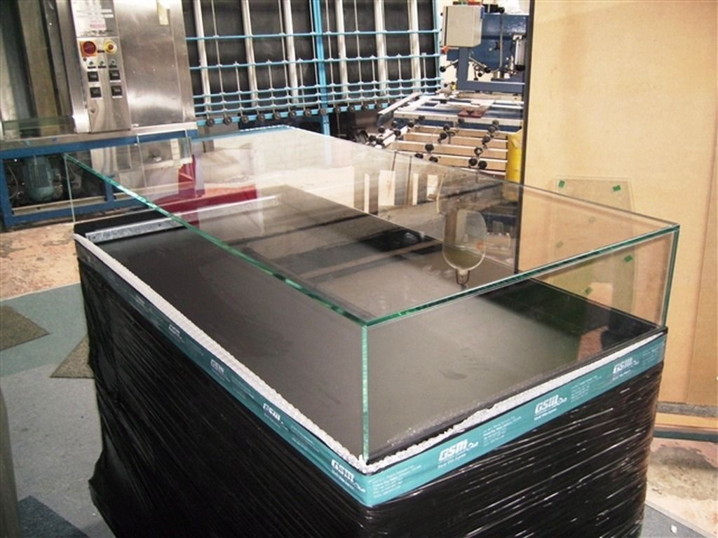 Glass-Display-Cases_07