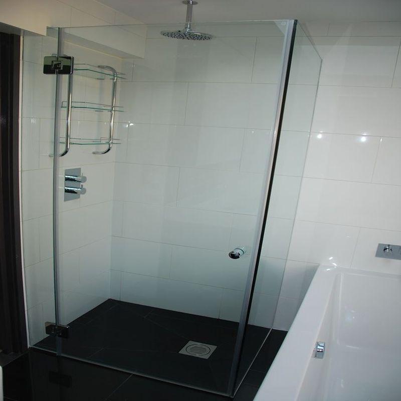 Glass-Shower-Doors-Enclsoures_43