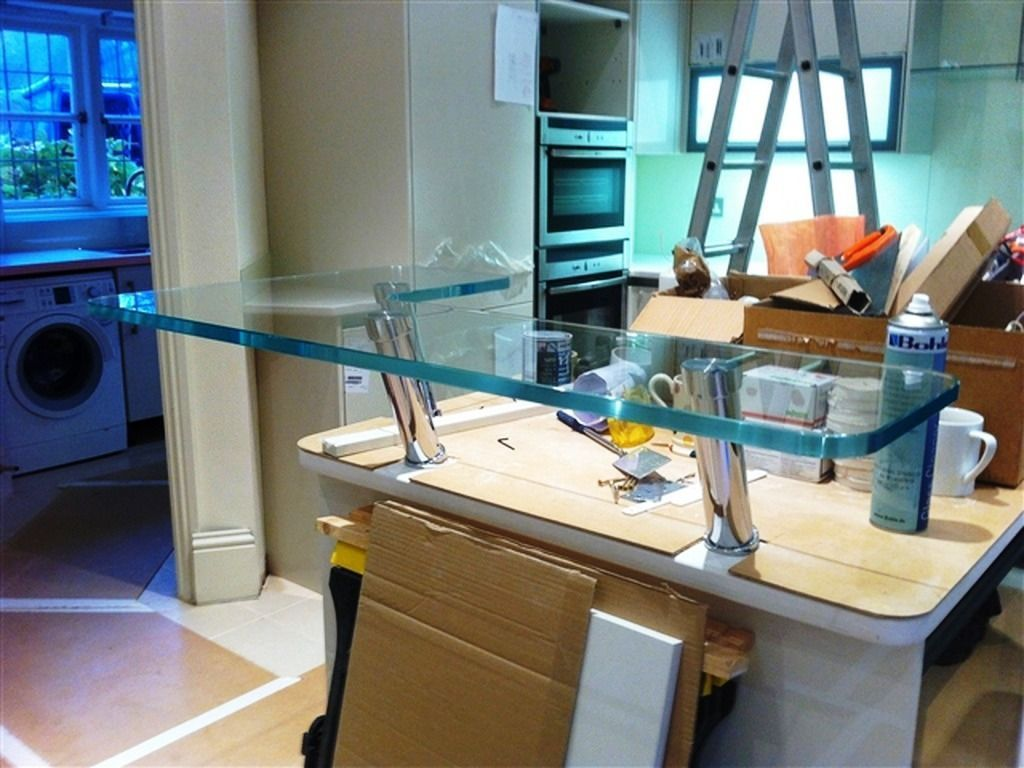 Glass-Tables-Furniture_13