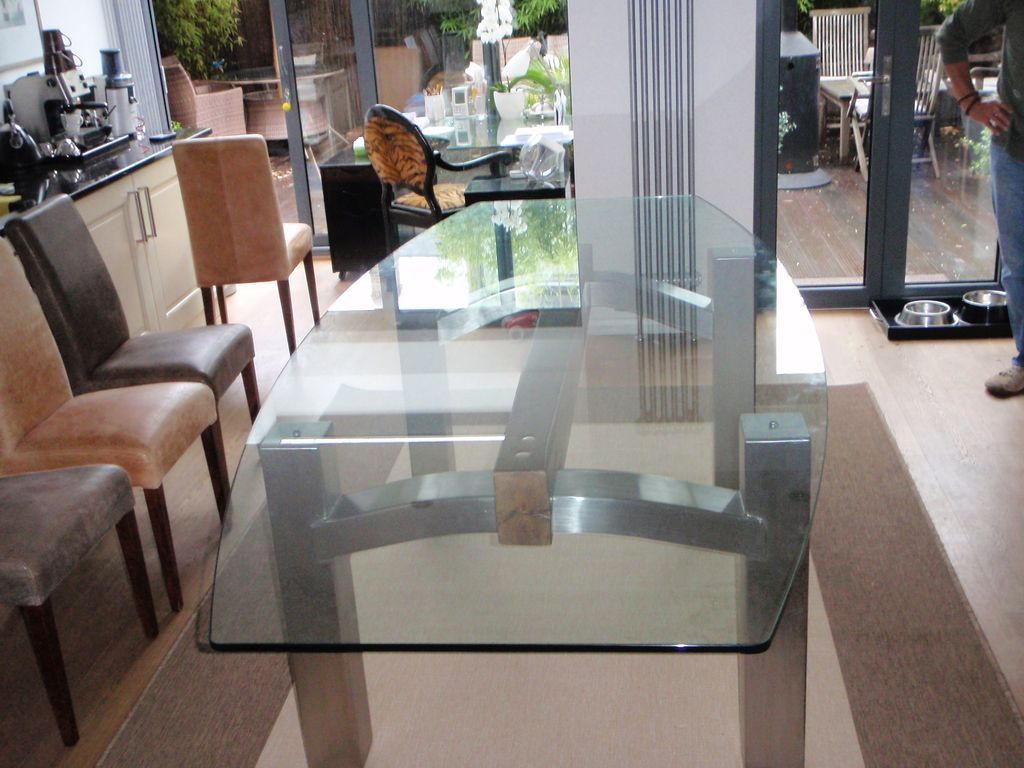 Glass-Tables-Furniture_21