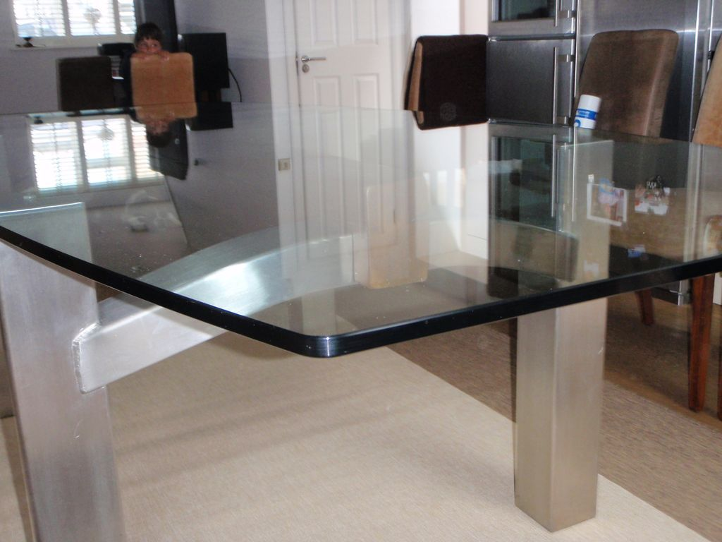 Glass-Tables-Furniture_22
